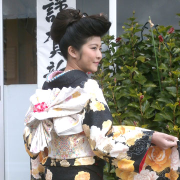 名古屋市中川区:初詣:振袖の着付け