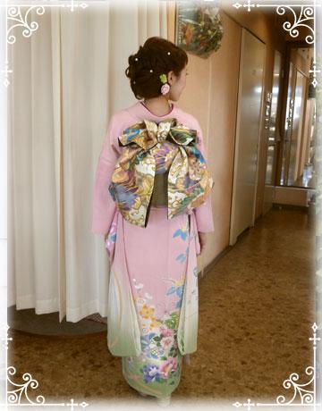 結婚式:結納のご新婦様の着付け:振袖